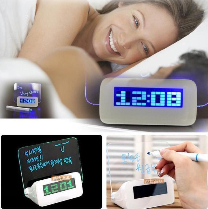 Часы будильник с люминисцентной доской для сообщений