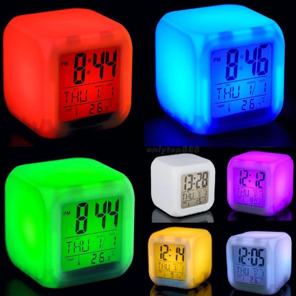 Часы будильник электронные настольные температура календарь 7 цветов свечения