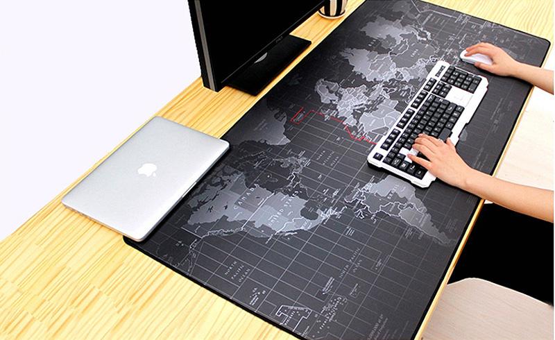 Большой игровой коврик на стол с картой мира для компьютерной мыши и клавиатуры 80 х 30 см