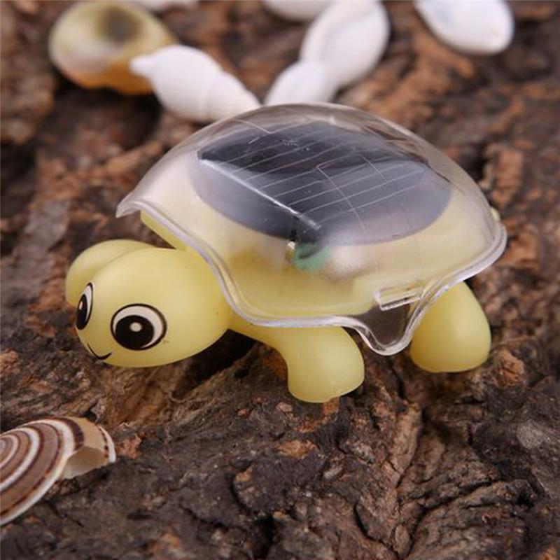 Компактная игрушечная черепаха на солнечной батарее