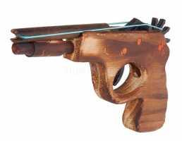 Деревянный игрушечный пистолет