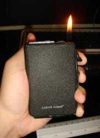 Портсигар с автоматической подачей сигарет + зажигалка